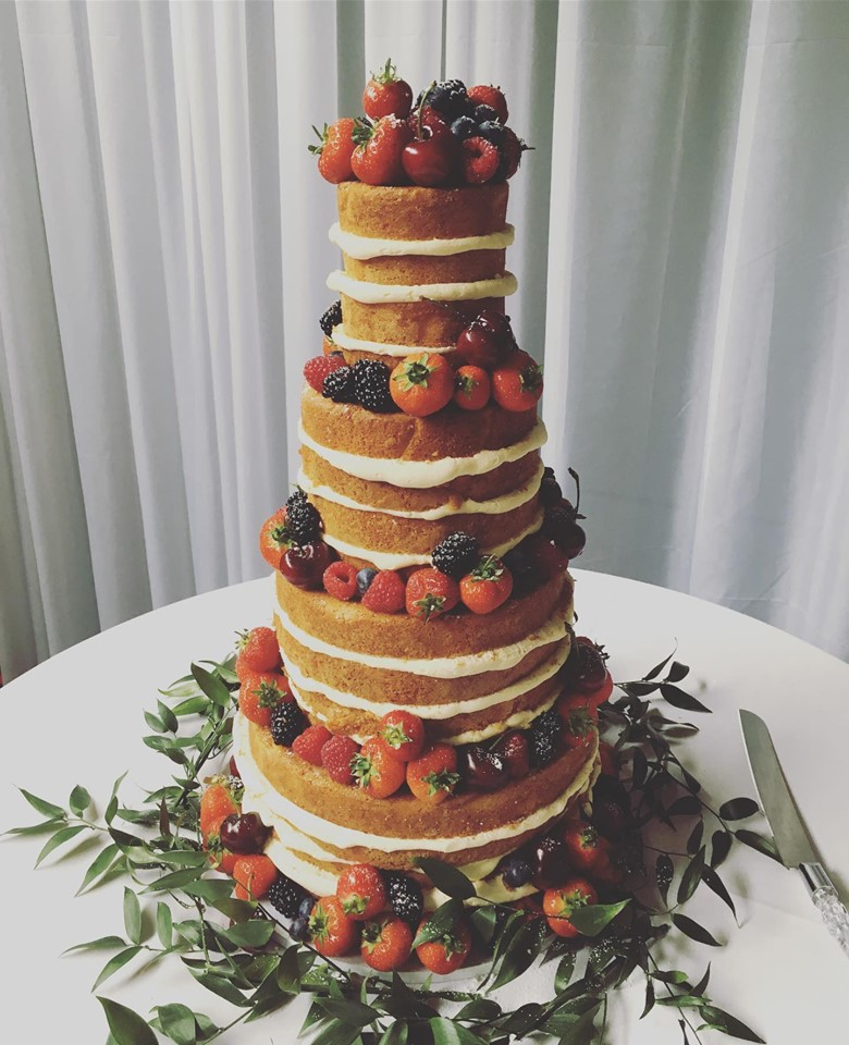 naked-wedding-cake-1006
