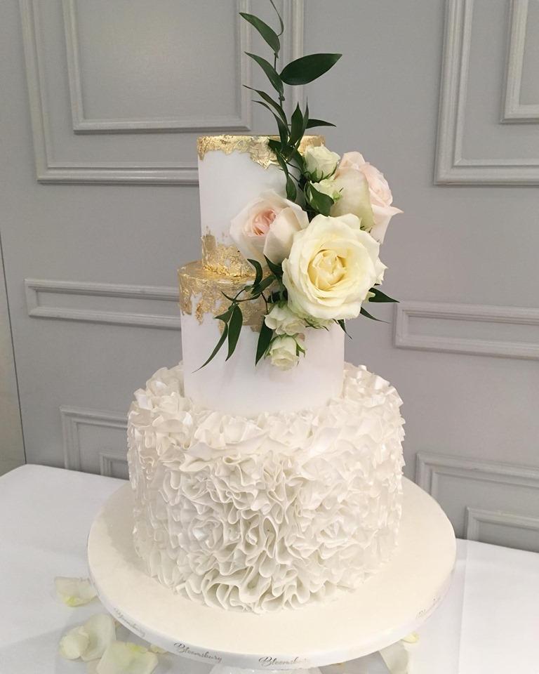 white-ruffle-cake-1007