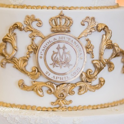 gold-monogram-detail