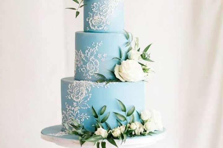 blue-fondant-cake