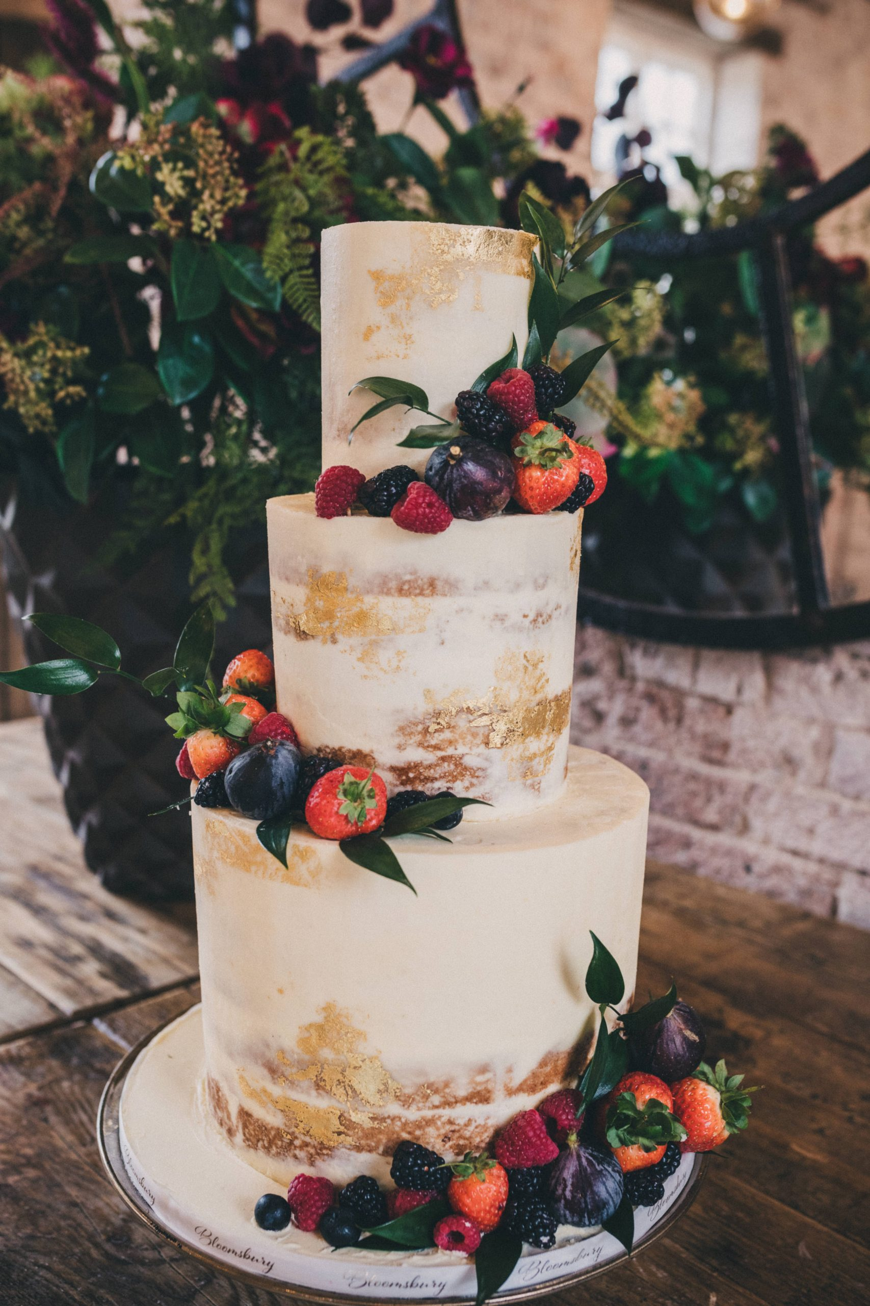 semi-naked-wedding-cake